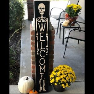 Holiday - Halloween skeleton welcome sign